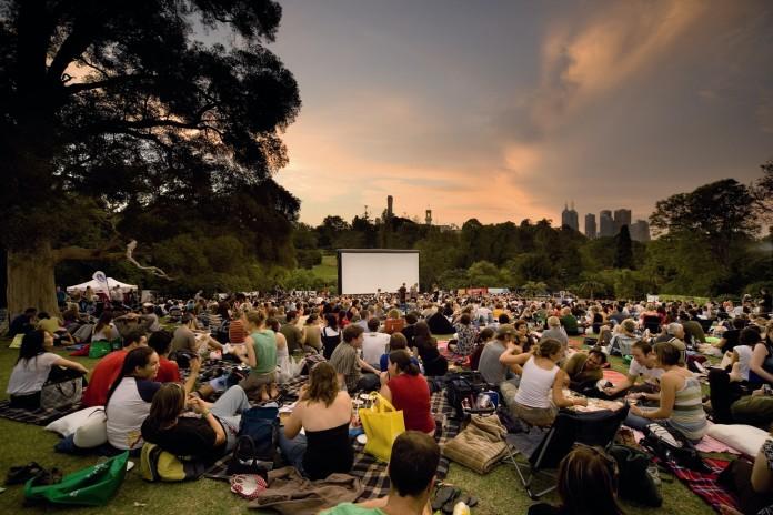 Bemowo - letnie kino plenerowe Amfiteatr Bemowo